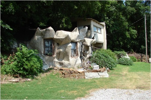 It's not the Flintstones house its real !