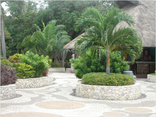 LA LEMAR BEACH RESORT GARDEN